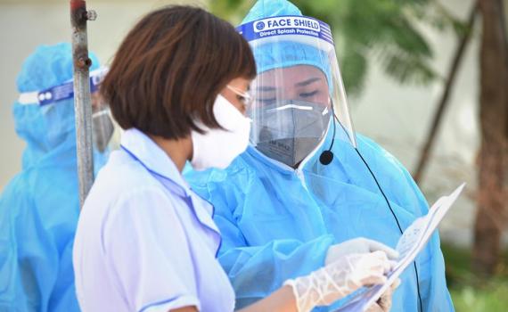 Người dân trở lại Hà Nội sau kỳ nghỉ lễ phải khai báo y tế