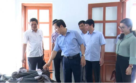 Đồng chí Phạm Quang Ngọc kiểm tra công tác phòng chống lụt bão tại Kim Sơn