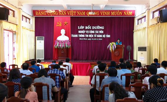Khai giảng lớp bồi dưỡng nghiệp vụ cộng tác viên Trang Thông tin điện tử Đảng bộ tỉnh
