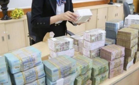 Nhiều ngân hàng tiếp tục giảm lãi suất huy động