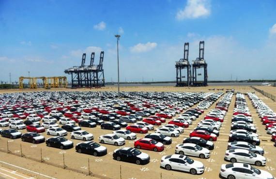 Ô tô nhập khẩu tăng mạnh - Đài Phát Thanh và Truyền Hình Ninh Bình
