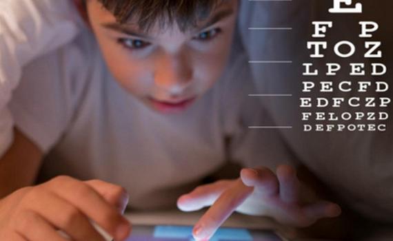 Làm thế nào bảo vệ đôi mắt trẻ khi học online