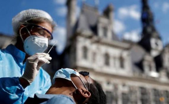 """Cập nhật Covid-19: Thế giới vượt 30 triệu ca mắc, châu Âu """"báo động"""" về tỷ lệ lây nhiễm"""