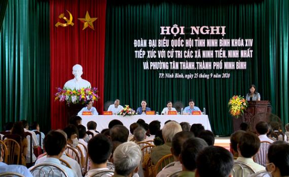 Đoàn ĐBQH tỉnh tiếp xúc cử tri thành phố Ninh Bình