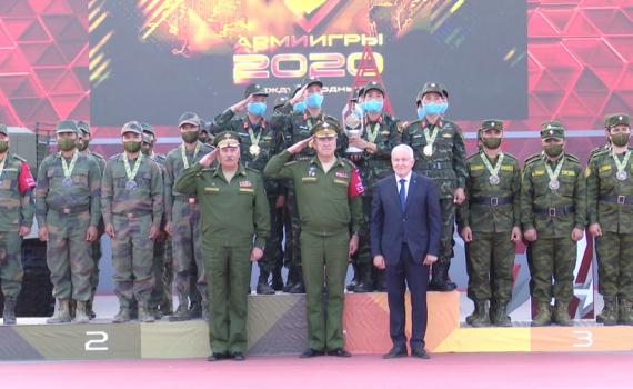 Đội tuyển tăng Việt Nam nhận cúp vô địch Hội thao quân sự quốc tế Army Games 2020