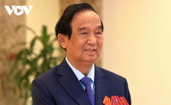"""GS Nguyễn Lân Dũng: Thi đua yêu nước cần phải có """"những ngọn đèn"""""""