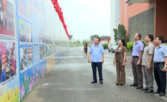 Kiểm tra công tác tuyên truyền Đại hội Thi đua yêu nước tỉnh Ninh Bình lần thứ V