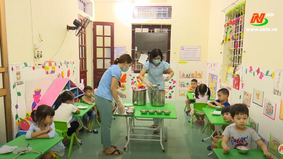 Vì trẻ thơ: Chế độ dinh dưỡng hợp lý cho trẻ