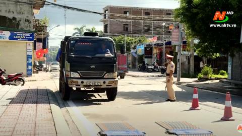 ATGT vì bình yên cuộc sống: Công an thành phố Ninh Bình xử lý vi phạm tải trọng