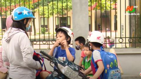 ATGT vì bình yên cuộc sống: Quan tâm chấp hành đội mũ bảo hiểm cho học sinh