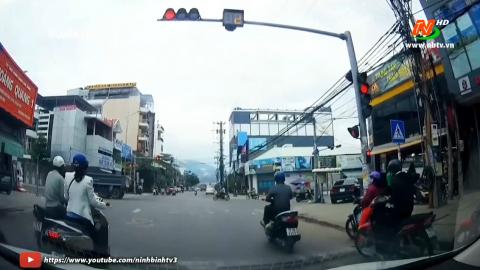 ATGT vì bình yên cuộc sống: Xử lý nghiêm vi phạm tín hiệu đèn giao thông