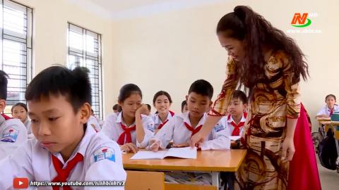 Bài ca người giáo viên nhân dân - Thể hiện: Tố Uyên