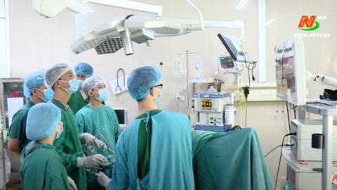 Bệnh viện Đa khoa tỉnh Ninh Bình làm chủ kỹ thuật nội soi cắt đại trực tràng nối máy