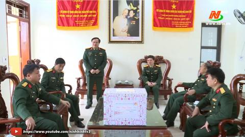 Bộ chỉ huy quân sự tỉnh kiểm tra và chúc Tết tại TP. Ninh Bình