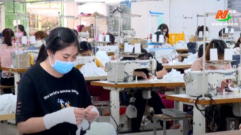 Các vấn đề xã hội: Chung tay cùng người lao động vượt qua mùa dịch