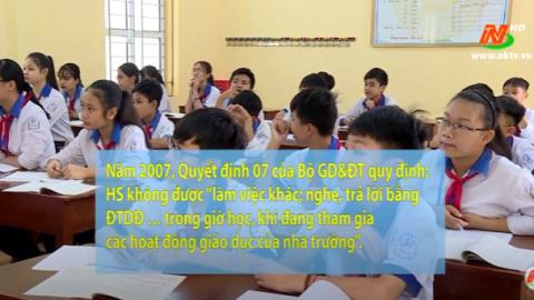Các vấn đề xã hội: Xung quanh việc cho trẻ mang điện thoại di động đến trường