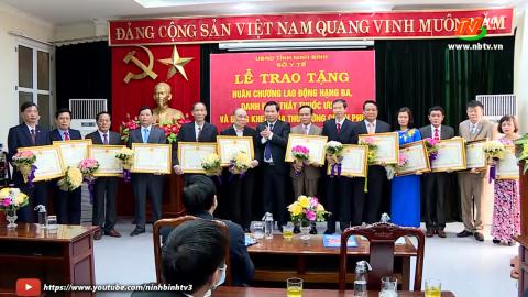 Đồng chí Bí thư Thành ủy Ninh Bình thăm, chúc mừng nhân ngày Thầy thuốc Việt Nam
