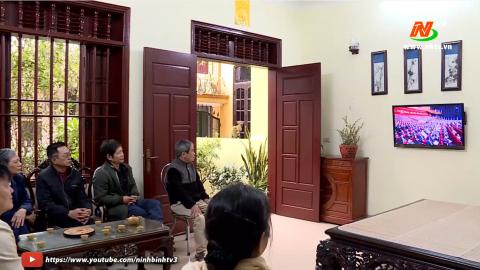 Người dân Ninh Bình theo dõi Đại hội Đảng toàn quốc lần thứ XIII