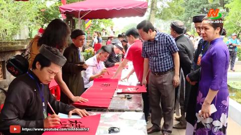 Nhiều hoạt động sôi nổi tại Lễ hội Hoa Lư