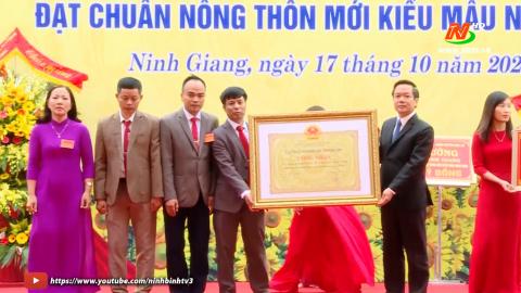 Ninh Giang đón bằng công nhận xã đạt chuẩn nông thôn mới kiểu mẫu