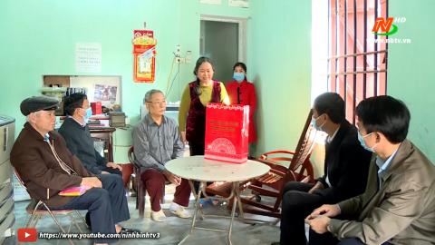 Thành phố Ninh Bình: TP. Ninh Bình chung tay chăm lo Tết cho người nghèo