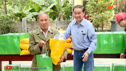 Trao quà Tết cho bà con giáo dân có hoàn cảnh khó khăn ở giáo xứ Hào Phú