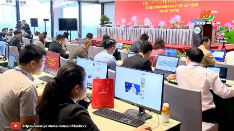 Trung tâm báo chí sôi động ngày đầu tiên diễn ra Đại hội Đảng