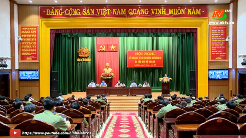 Ứng cử viên Đại biểu Quốc hội tiếp xúc cử tri Công an tỉnh