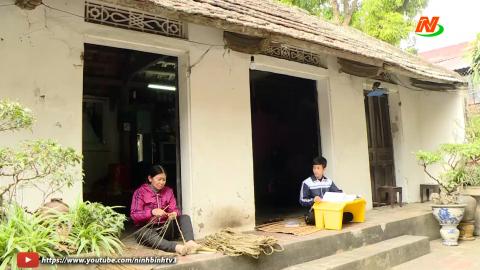 Vòng tay nhân ái: Hỗ trợ em Trần Phương Nam, lớp 8A, Trường THCS Yên Từ, huyện Yên Mô