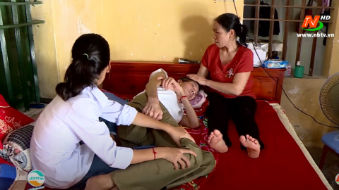 Vòng tay nhân ái: Hỗ trợ gia đình anh Đinh Văn Hoán, xã Gia Phương, huyện Gia Viễn