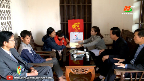 Vòng tay nhân ái: Hỗ trợ gia đình chị Nguyễn Thị Nhiệm, xã Khánh Công, huyện Yên Khánh
