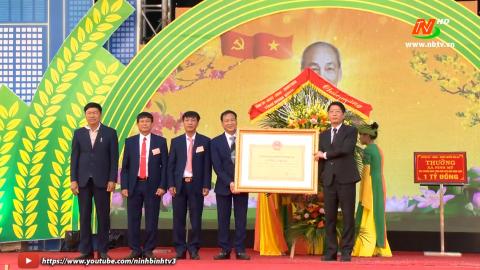 Xã Ninh Mỹ đón nhận bằng công nhân Nông thôn mới kiểu mẫu